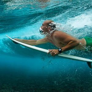 surfing holiday fiji