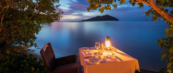 likuliku lagoon resort fiji dining