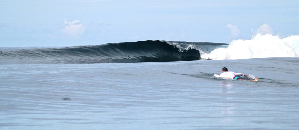 surfing holiday in fiji