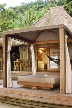 Qamea Resort Fiji – Honeymoon Bure Daybed