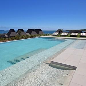 intercontinental fiji exclusive club infinity pool