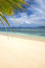 mana-island-resort-fiji-beachfront