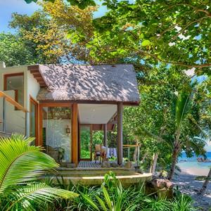 beachfront bures fiji royal davui resort