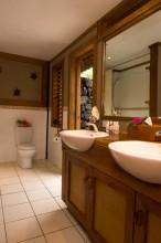 Paradise Taveuni Resort – Bathroom