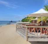 Castaway Island Resort Fiji – Beachfront Dining