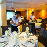 Captain Cook Cruises Fiji – Dining Room