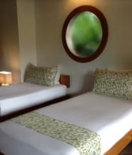 Koro Sun Resort & Rainforest Spa – Pool Bure