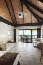 Double Tree Resort by Hilton Hotel Fiji – Bure Interior
