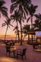 Double Tree Resort by Hilton Hotel Fiji – Beachfront Dining
