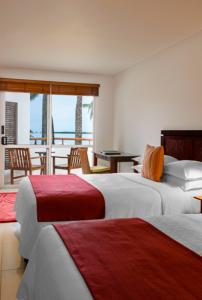 sheraton-denarau-fiji-villa-bedroom-queen