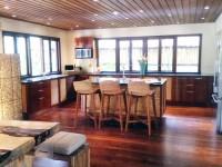 Grand Pool Residence – full kitchen