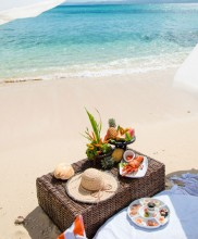 Nanuku Auberge Resort – Private Island Picnic