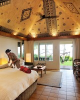 Outrigger Fiji Beach Resort – Bure Interior