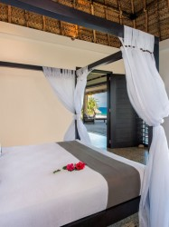 Paradise Cove Resort – Beachhouse Bedroom