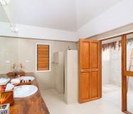 Tropica Island Resort – Honeymoon Pool Bure