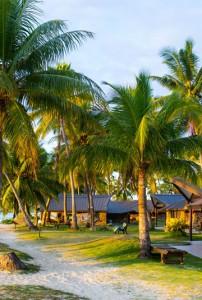 Plantation Island Resort – Beachfront Bures