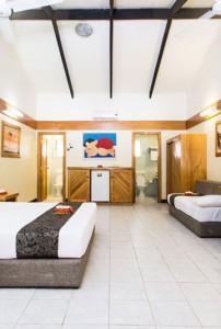 Plantation Island Resort – Poolside Room Interior