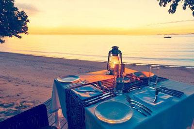 castaway island fiji beach dinner