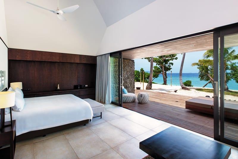 vomo fiji accommodation palms bed