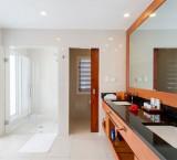 Lomani Island Resort – Bathroom