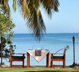 Lomani Island Resort – Beachfront Dining