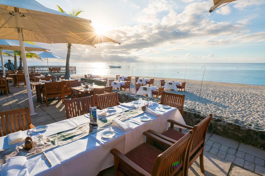 castaway island resort fiji restaurant