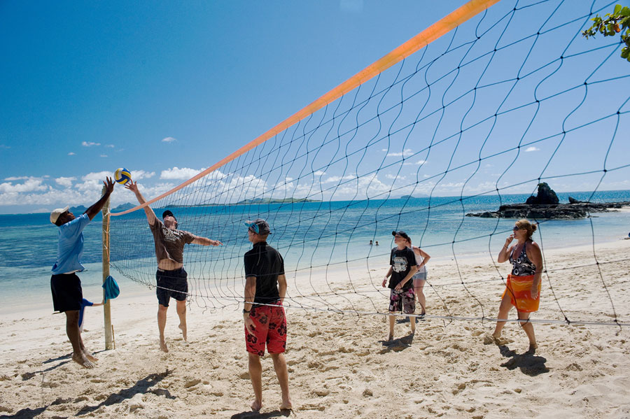 castaway island resort fiji things to do