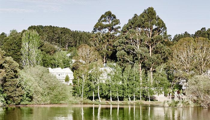 luxury lodges of australia lake house